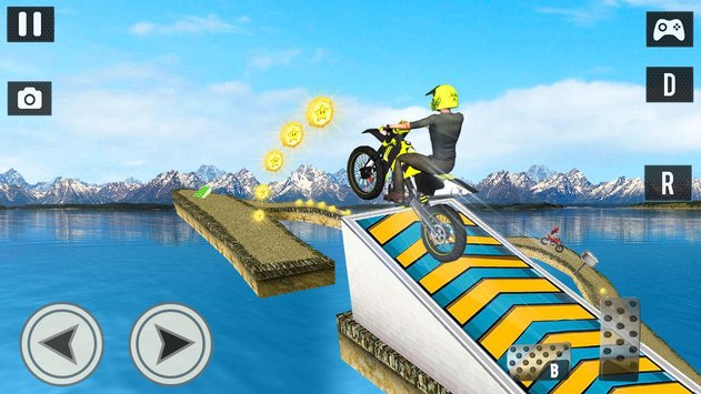 Offroad Moto Bike Impossible Stunt Racing4